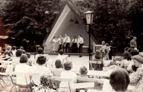 Veranstaltung im Park Laucha mit Herbert Roth