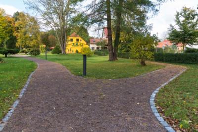 Park Laucha - Parkeingang - Blick Richtung Parkgaststätte