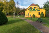 Park Laucha - Blick Richtung Parkgaststätte mit Biergarten