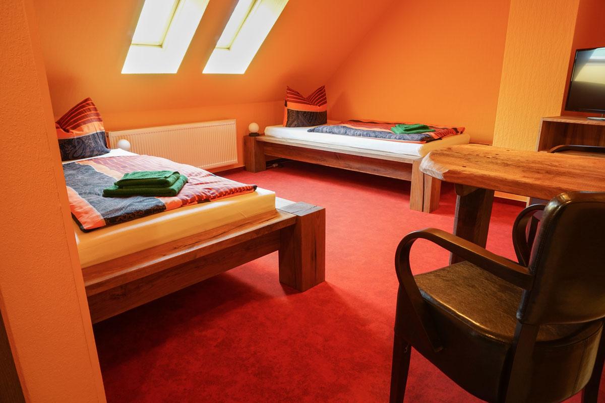 Pension Zimmer Parkgaststaette Laucha mit getrennten Betten