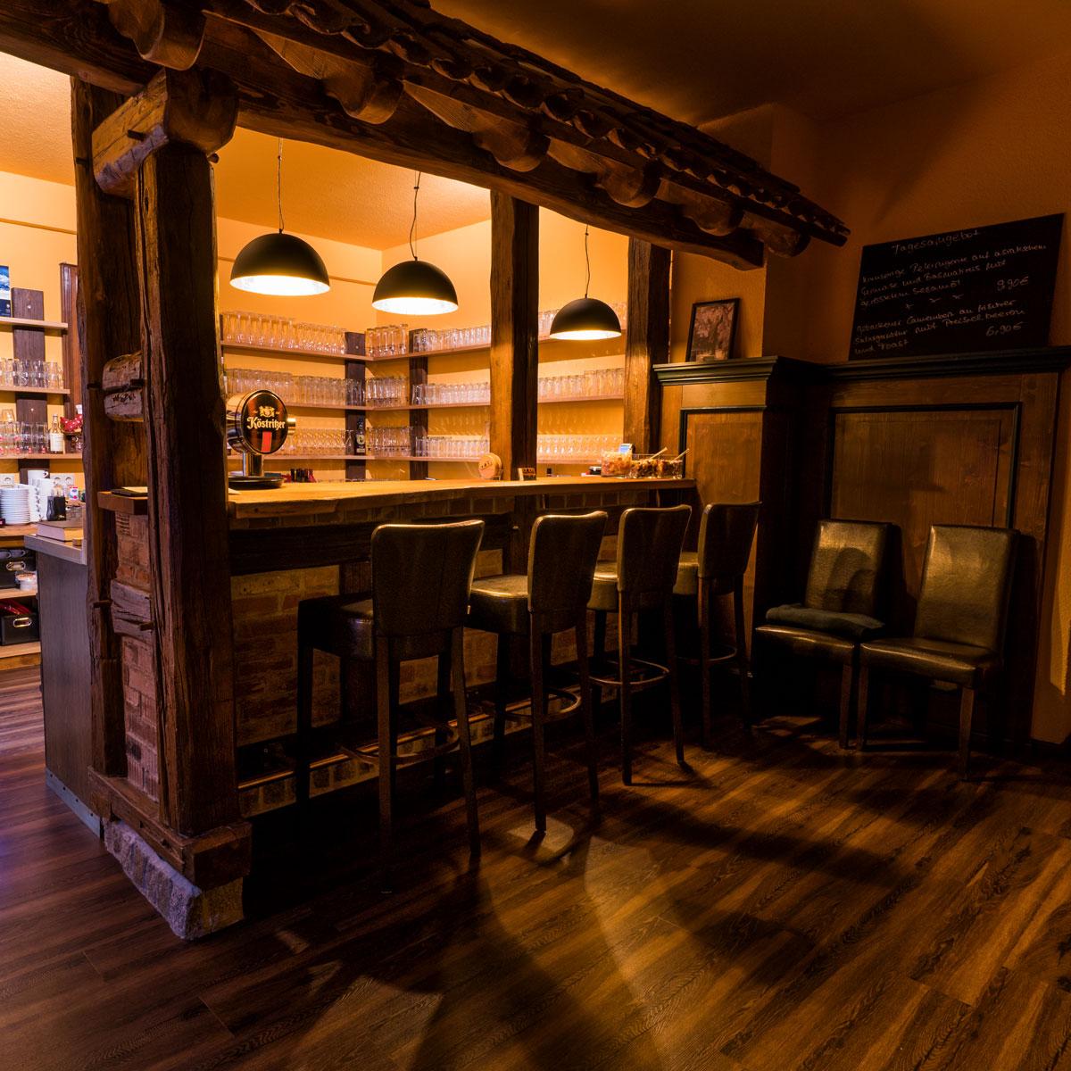 Restaurant & Saal - Parkgaststätte Laucha Blick in den Gastraum